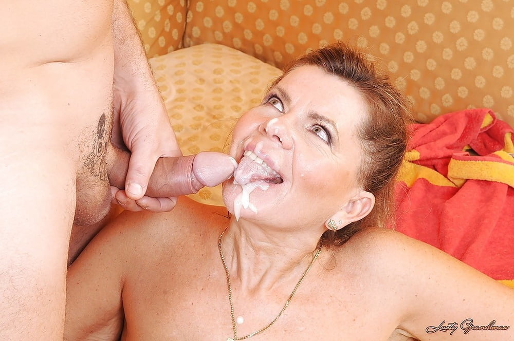 Mature Raunchy Chum Is Devouring This Cum Gutter Unlighted Hole With His Mouth