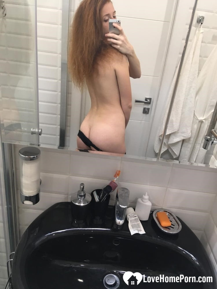 Few nudes while I'm putting on makeup - 27 Pics