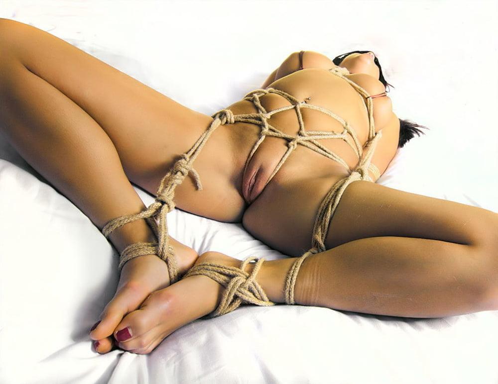 Free nude male bondage pics