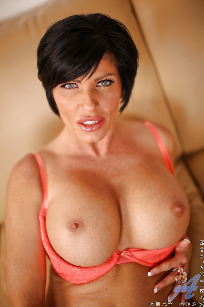 busty-short-hair-nude-takes-it