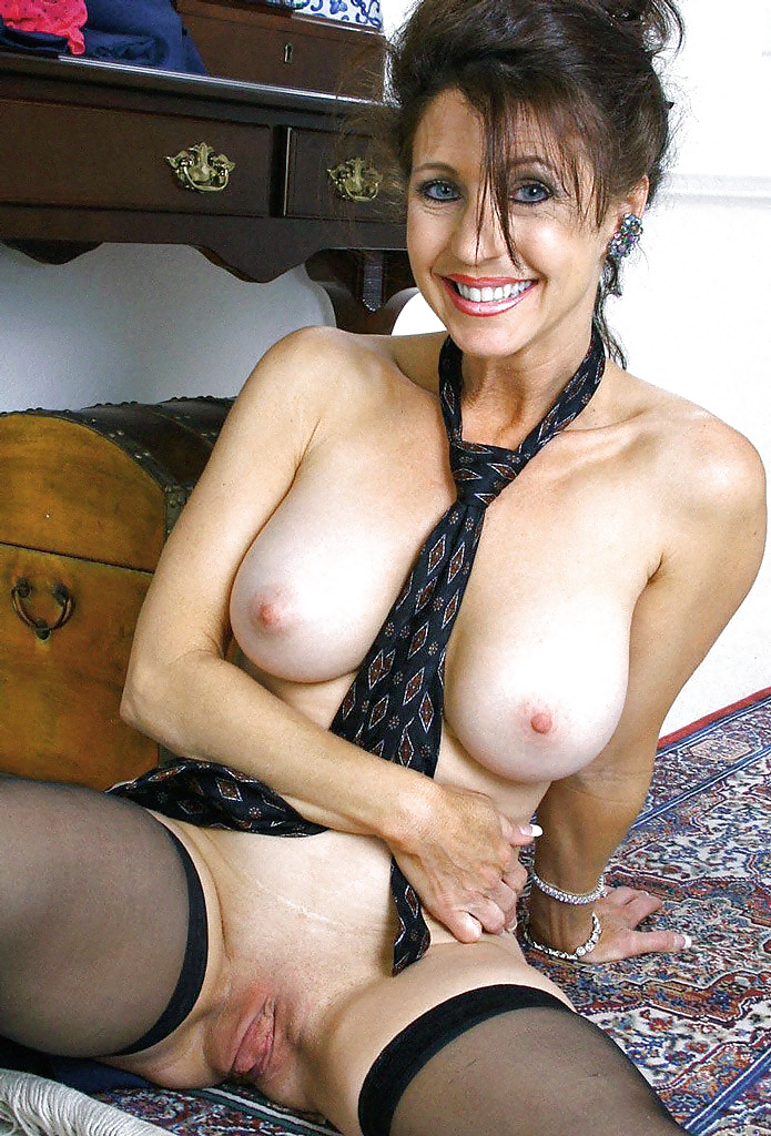 mature-cougar-gallery