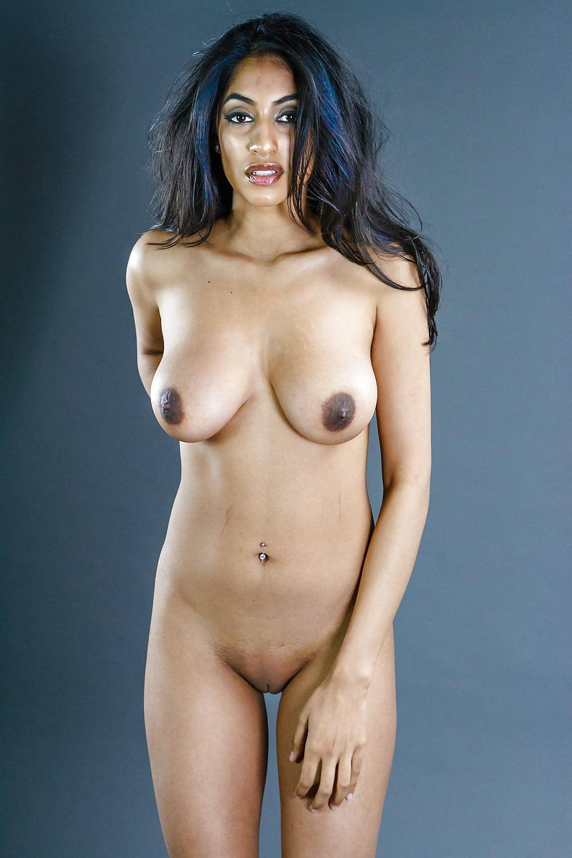 Nude Girls Of Bahrain