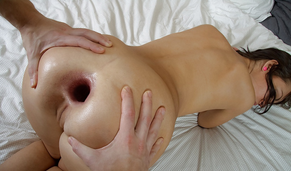 huge-anal-gapping