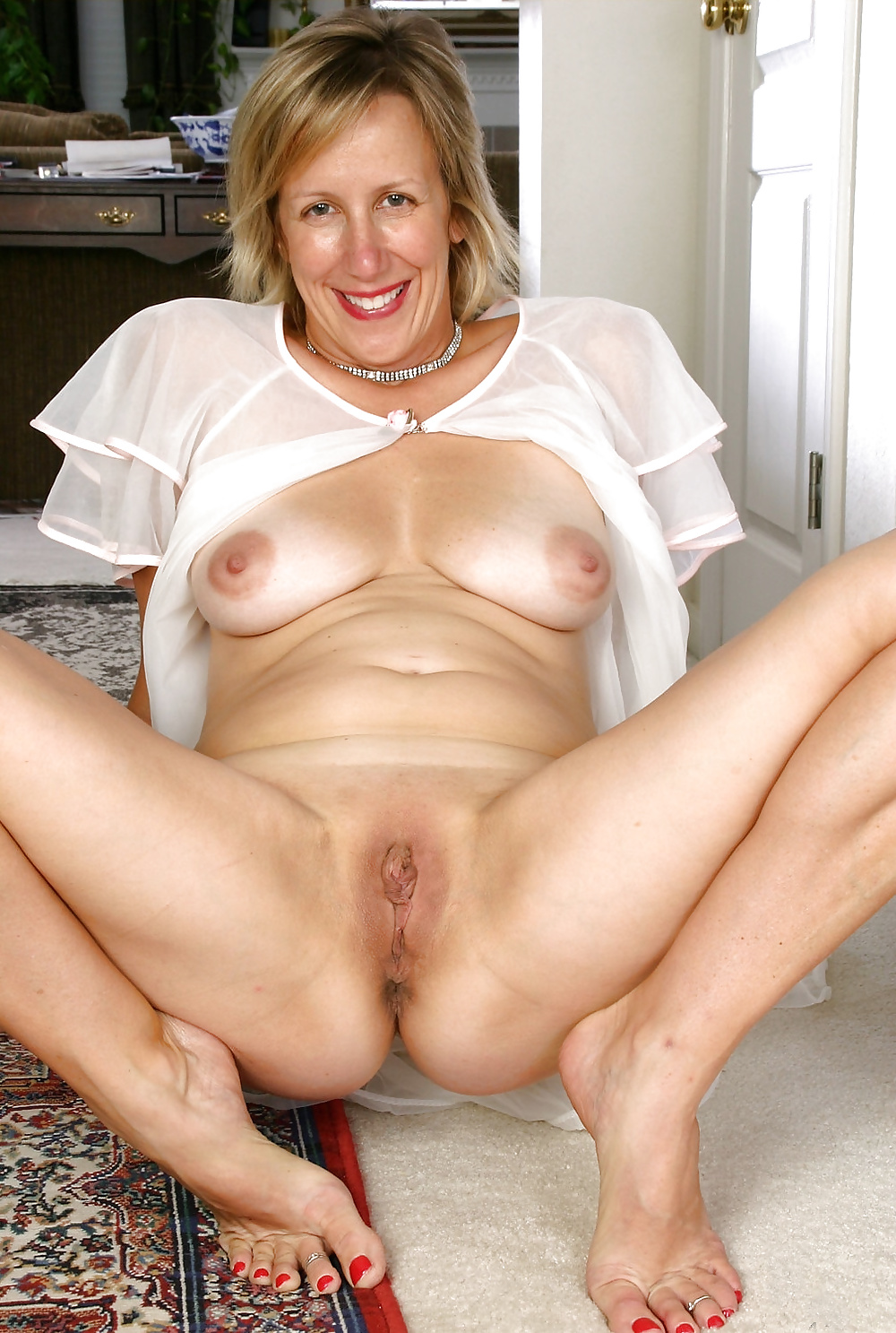 sex-free-mature-women-nude-galleries-wears-the
