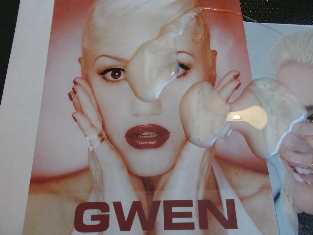 Cumshot Gwen Stefani Creamy Facial