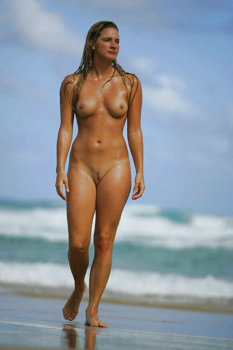 Hot naked brazilian beach — pic 14