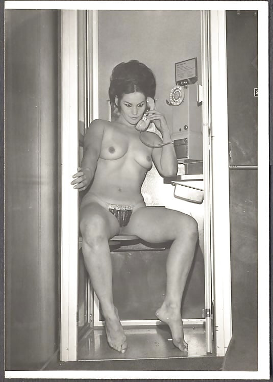 Changing rooms nude retro tube — pic 2