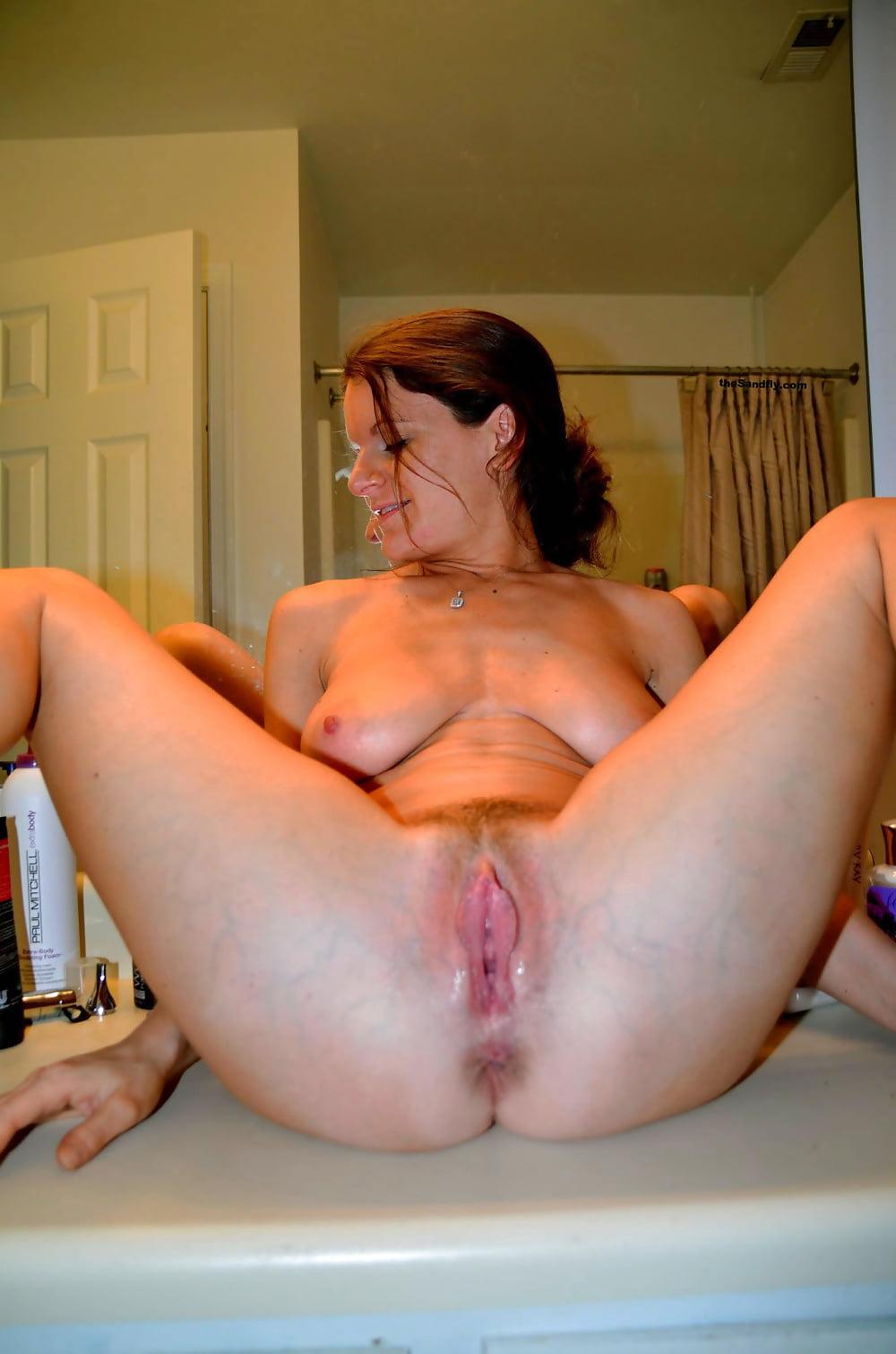 Moms spread pussy porn pics