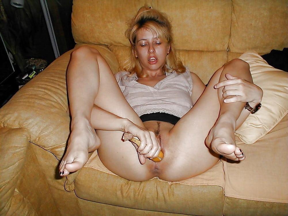 Фото русских домохозяек порно, телочка в сексуальном нижнем белье фото