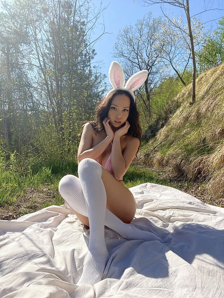Sexy Bunny- 11 Pics