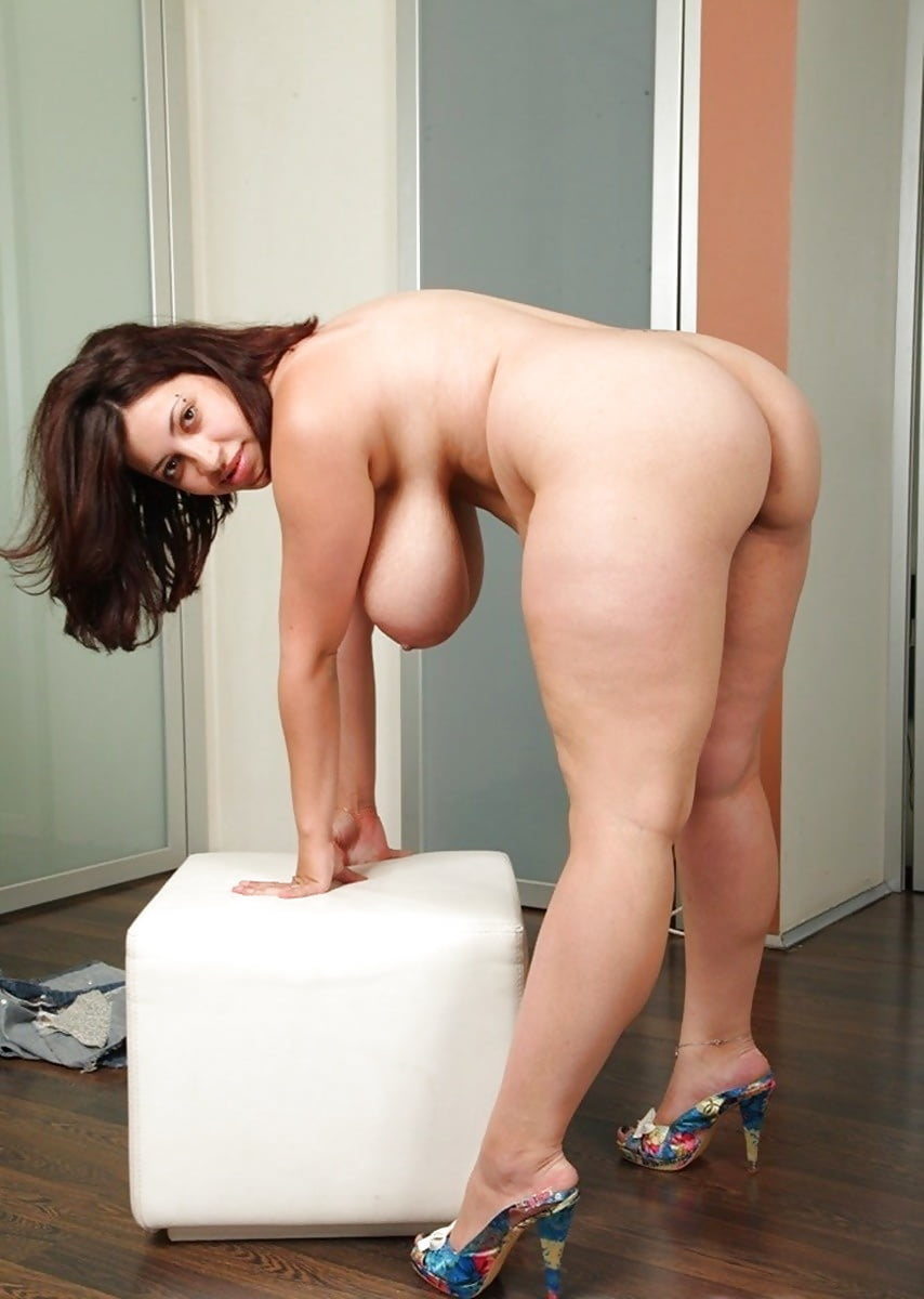 pics-not-big-boobs-bent-over-nude