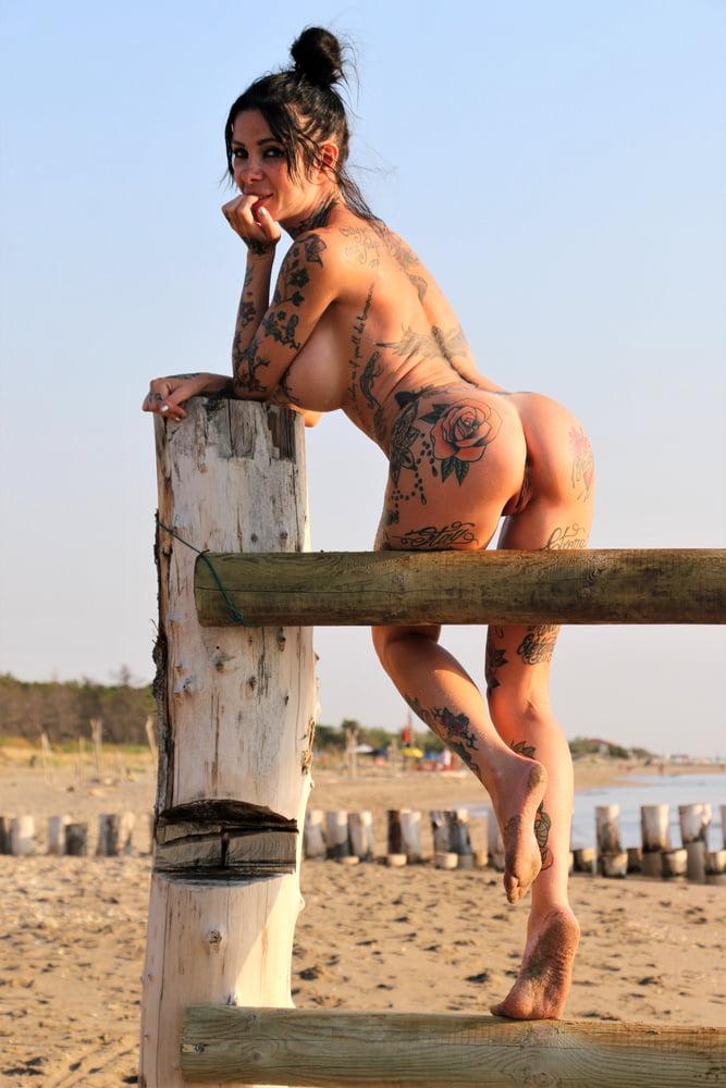 Beach - 28 Pics