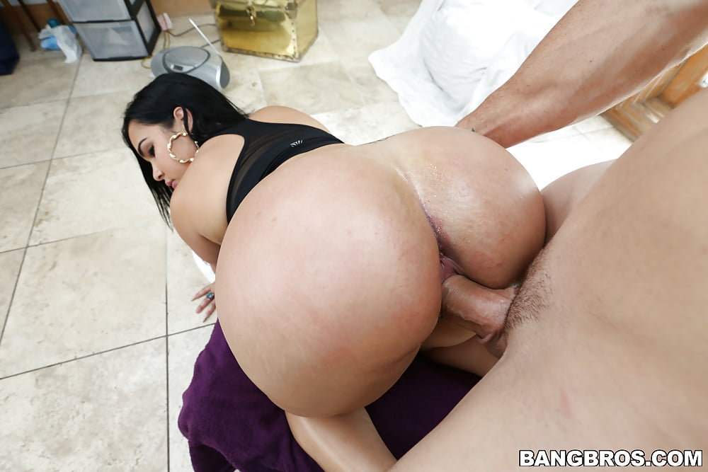 asses-getting-fucked-petite-buxom-girls