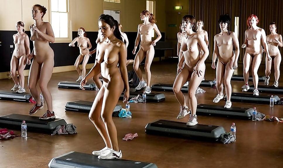 fitnes-klub-devushki-erotika