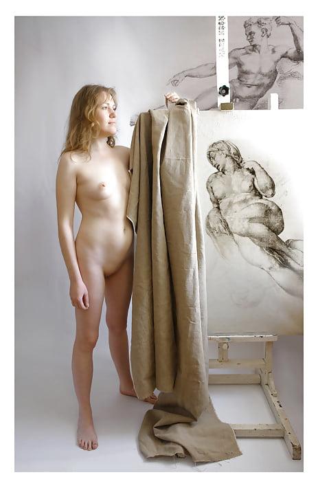 Эротика девушки рисуют натурщика — photo 10