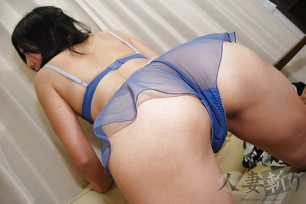 Slutty kirishima ayako gives great blowjob - 1 4