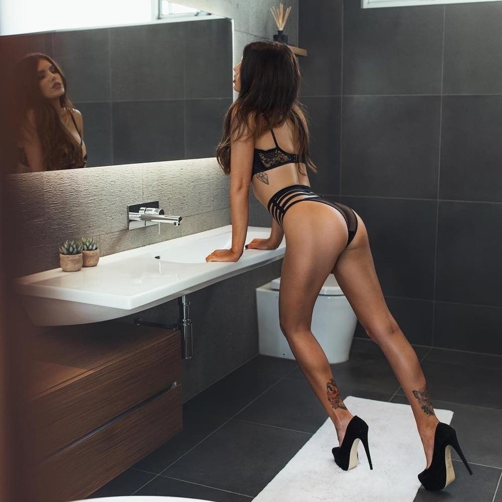 Heel porn x13 - 60 Pics