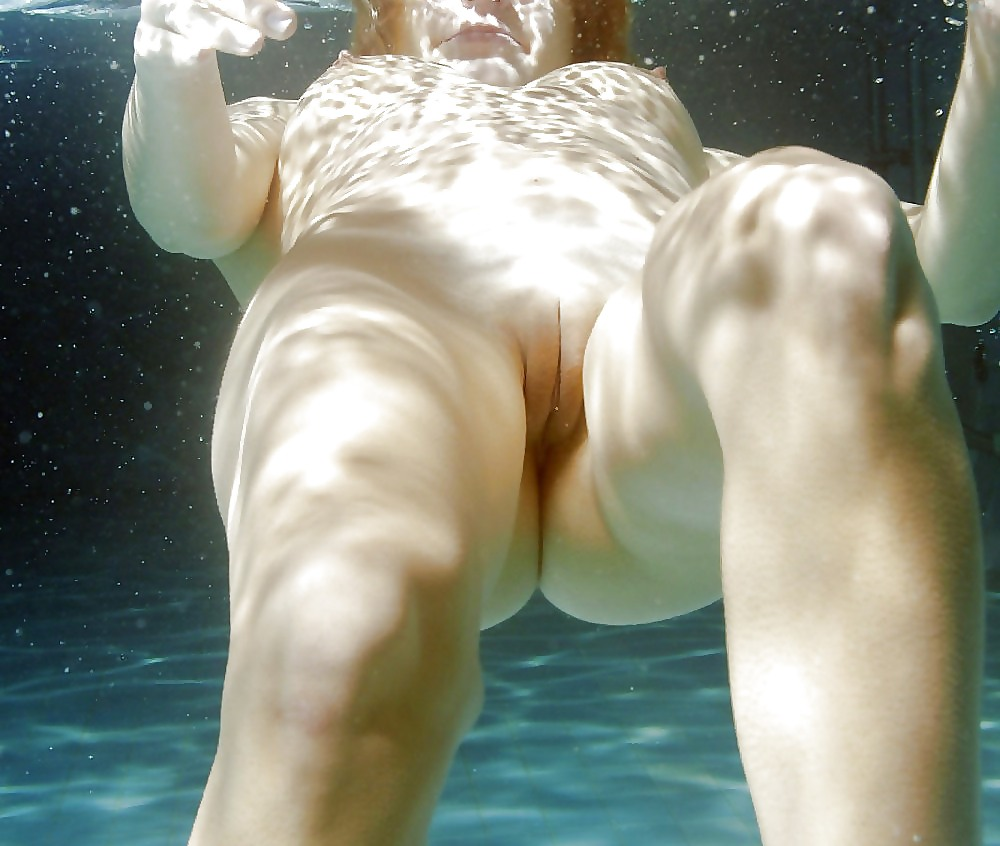 Girls vagina swimming nude