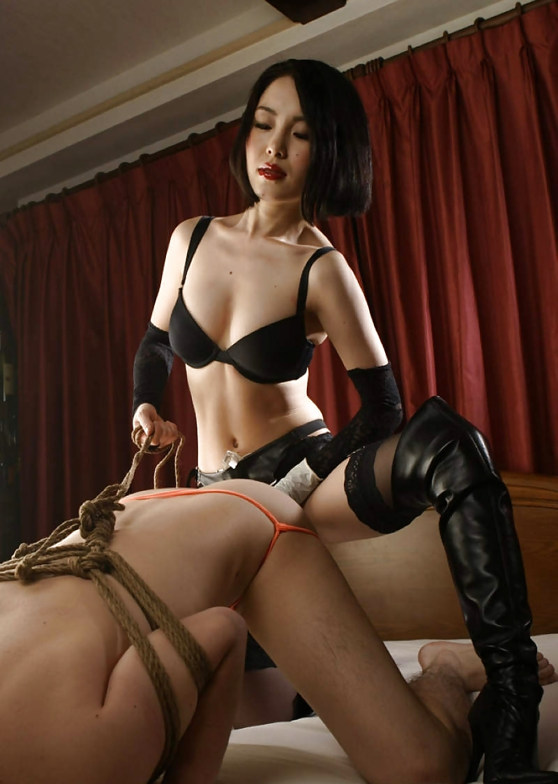 Mistress piss slave mouth