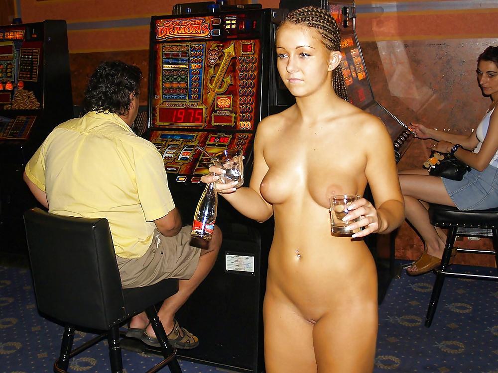 roulette-naked-pics