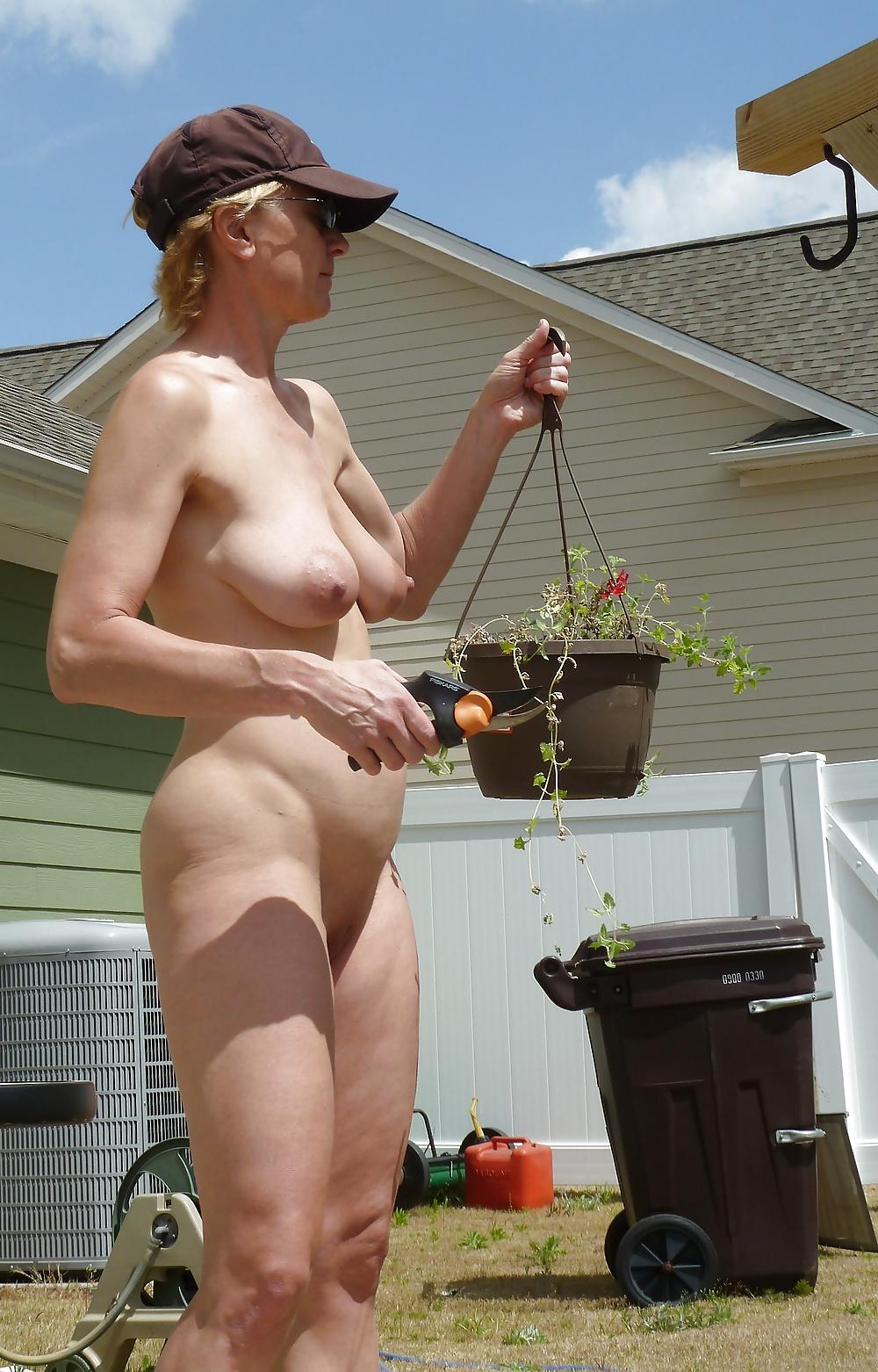 ass-garden-nude-wife-amateur-couple-xxx-gif