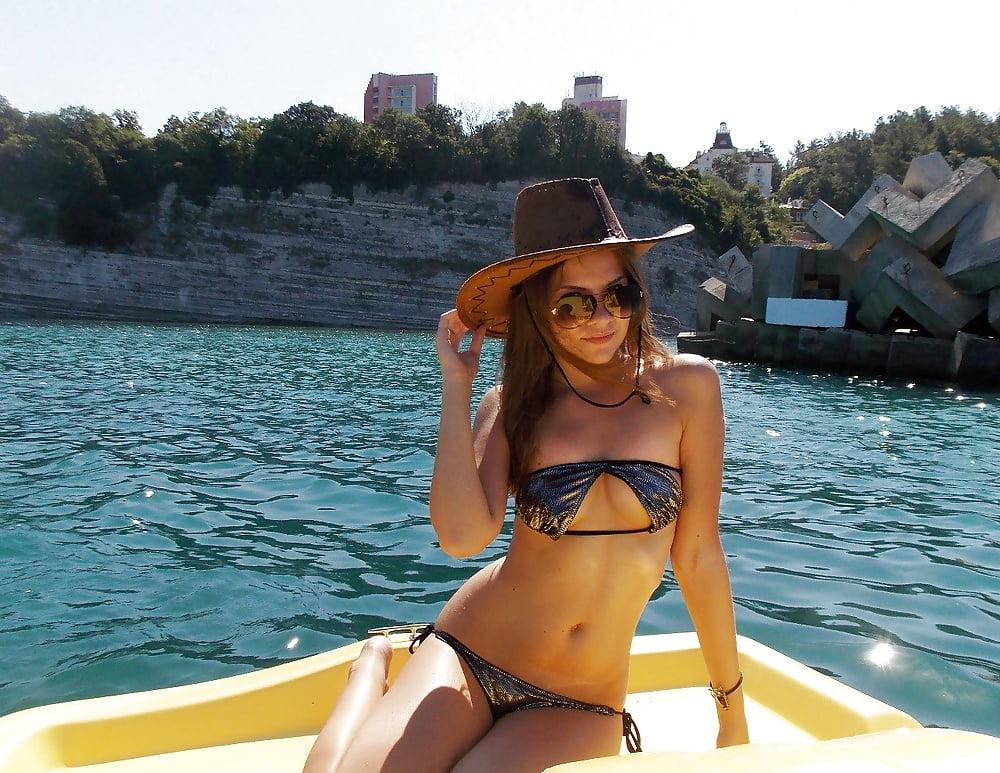 Skinny curvy girl porn-2013