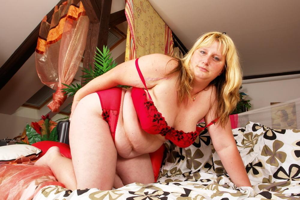Lesbian seduces lesbian-2105