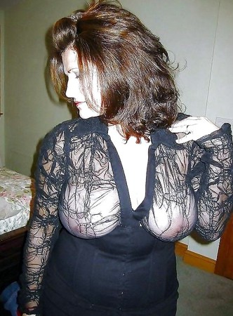 braless