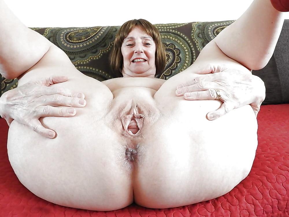 BBW mature granny spread legs