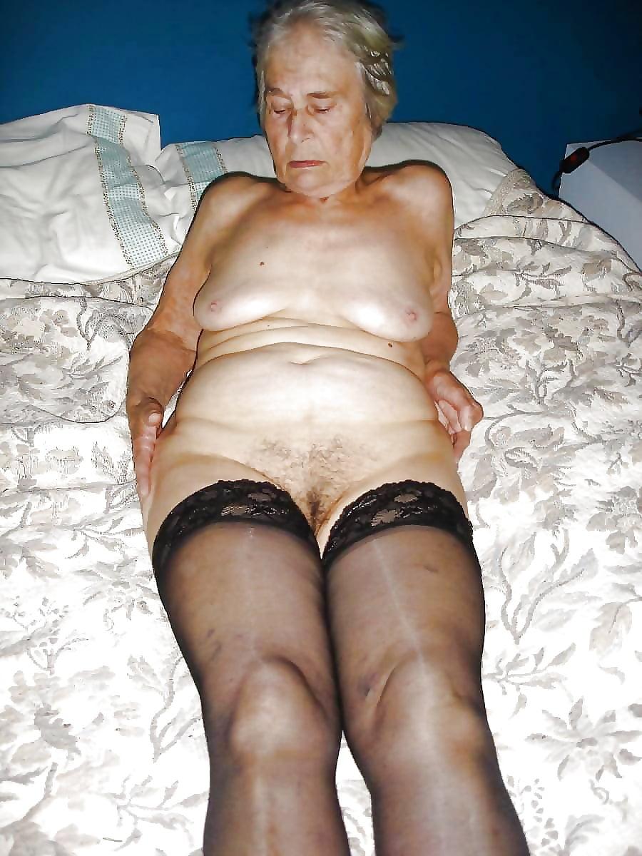 Nude Mature Black Granny