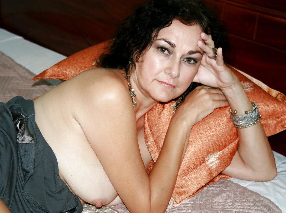 Make your wifes breast Porno film izlemek istiyorum videolari