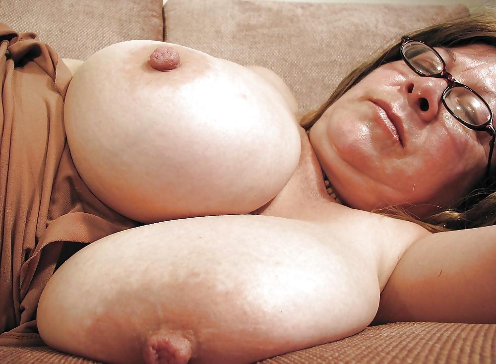 Jumbo sagging tits natural tits gangbang