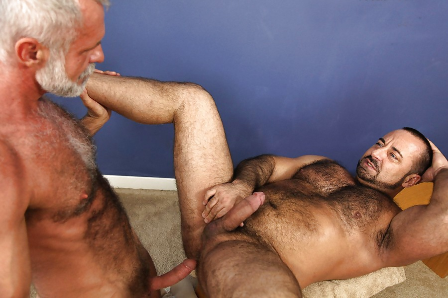 Hairy muscle bear adam champ fucking a tight ass with his big uncut cock