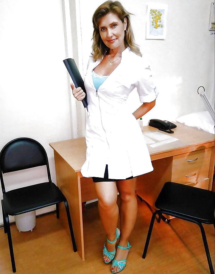 Сексуальные медики в халатах фото — pic 8