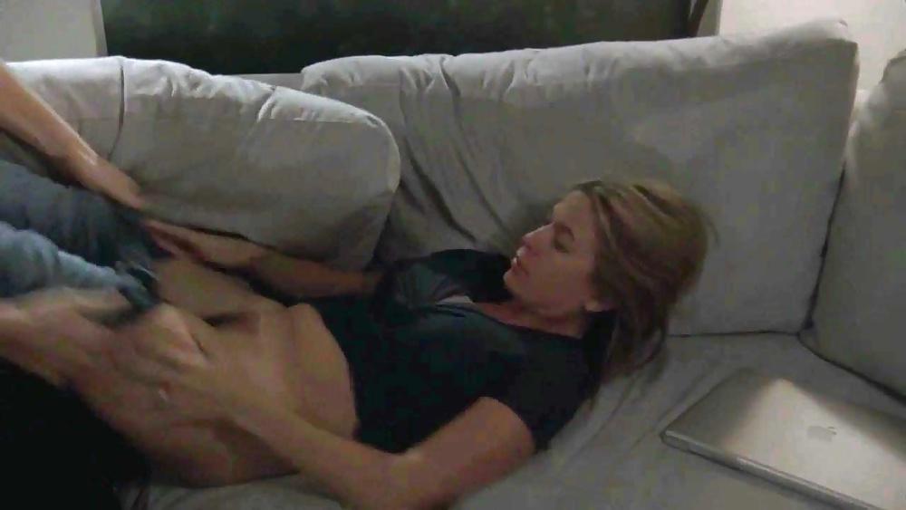 Порно фото с соней уолгер, как девчонки смотрят порно