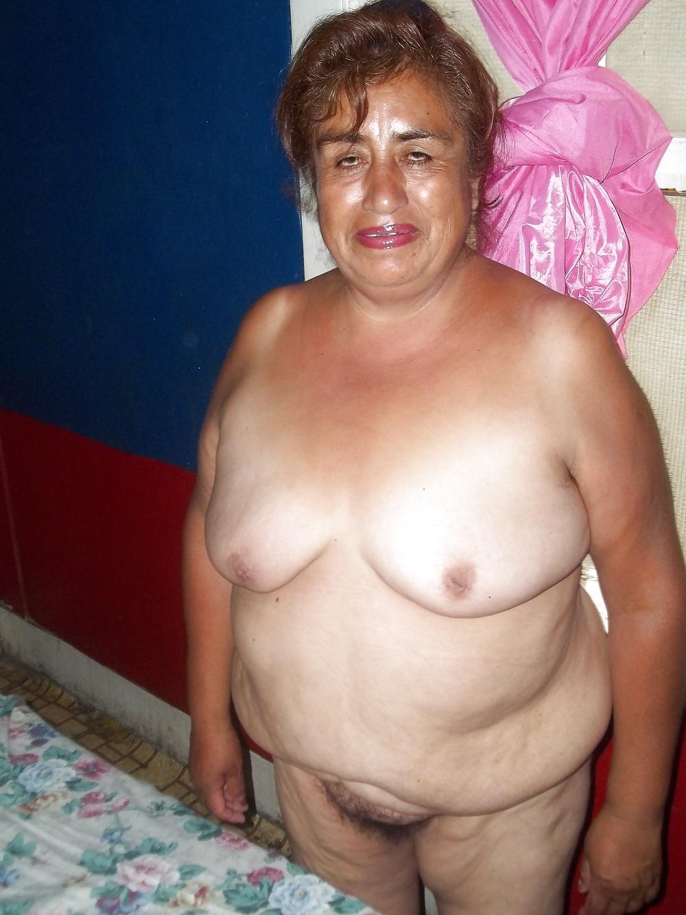 Abuela fea de buen cuerpo modela para mi - 2 part 9