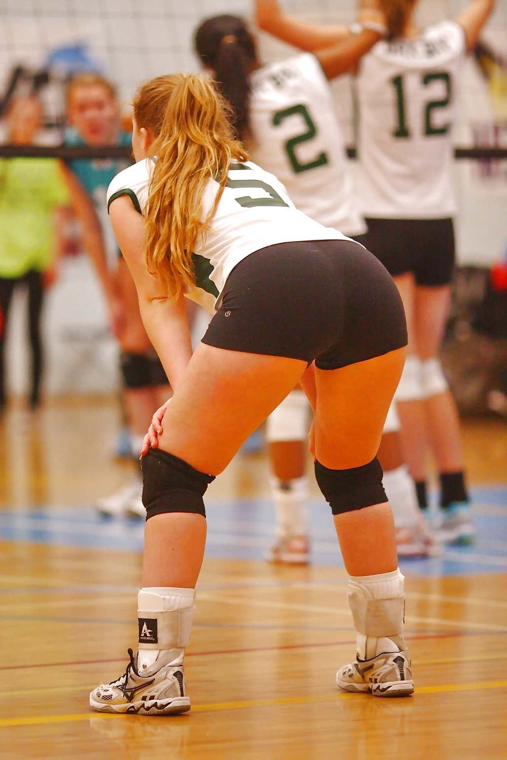 girl-in-volleyball-shorts-fucked-nudist