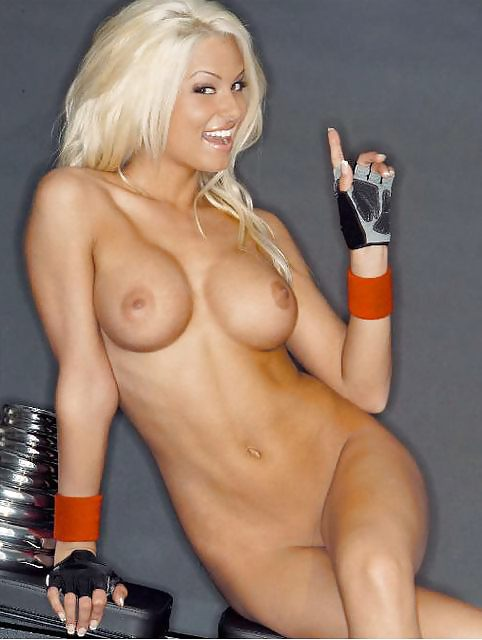 bombs-wwe-divas-sexy-sports-girls-doll-gif