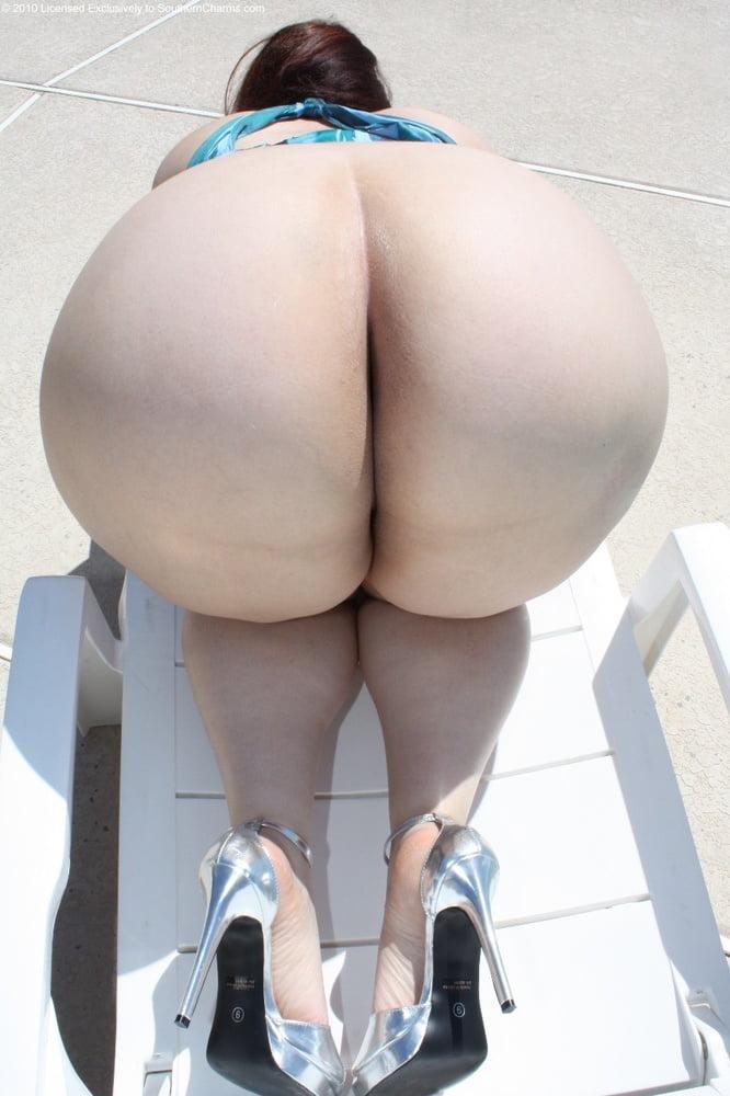 Fat ass bent over with plump ass big ass post