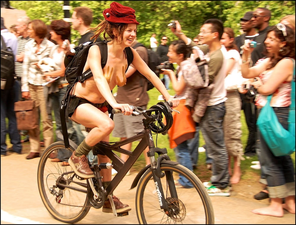 Naked bike ride gallery — 11