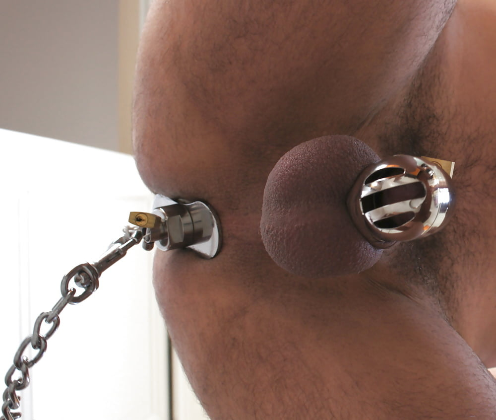 Slave gets butt plugged with a quadruple standing zipper