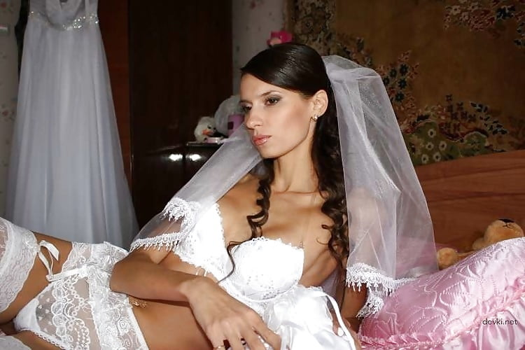 Связал невесту порно онлайн потому уверенно
