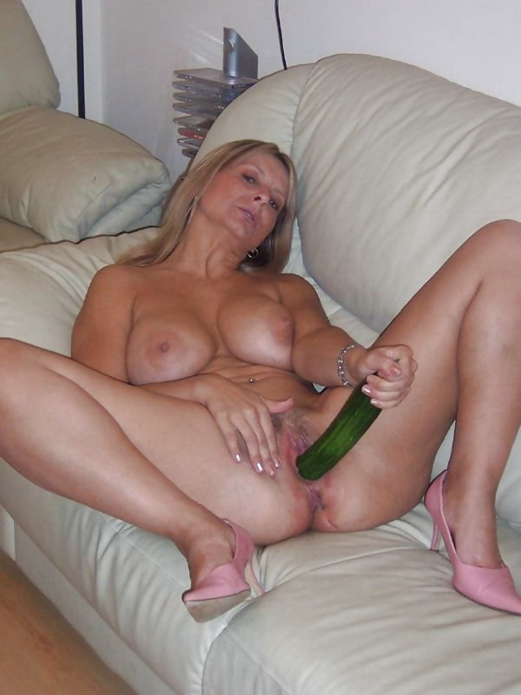 dildo-sex-housewives