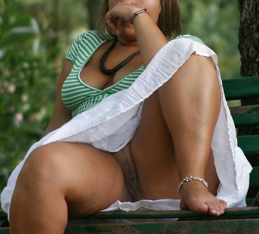 случайное порно фото под юбкой одной