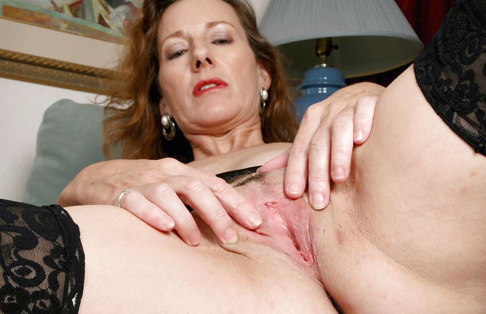 Wava recommend Wifes first glory hole