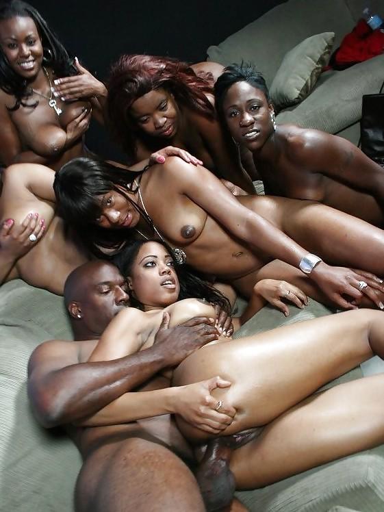 Темные девушки оргия фото, смотреть онлайн порно трахнули втроем в лесу