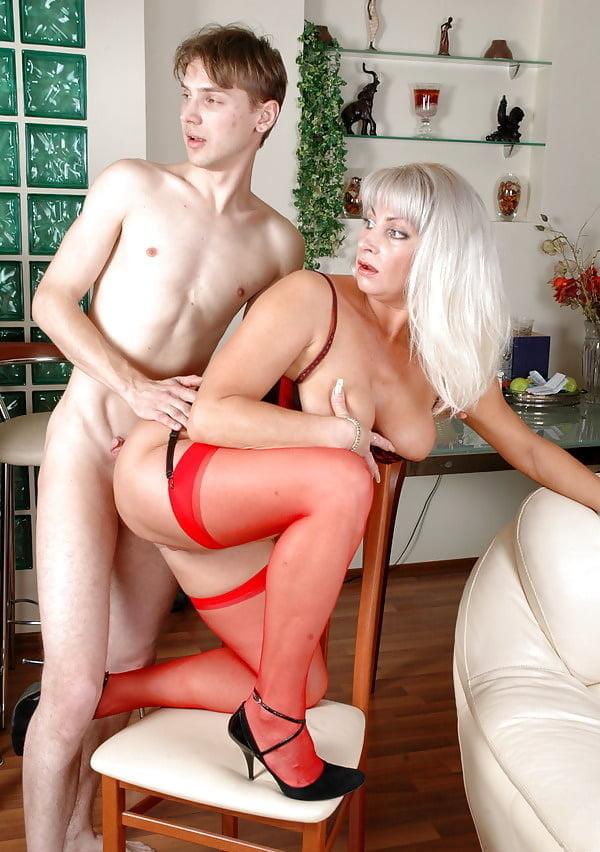 Naughty blonde mature elaine loves porn photos