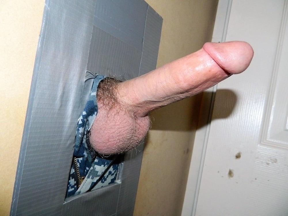 free-pics-of-gay-gloryhole-cum