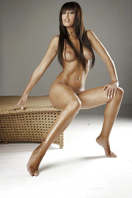 Yasmine Nude