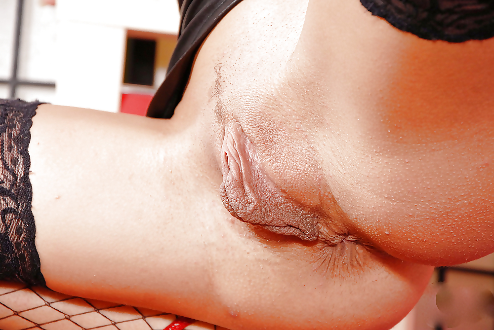 zhena-gubastie-kiski-porno-anal